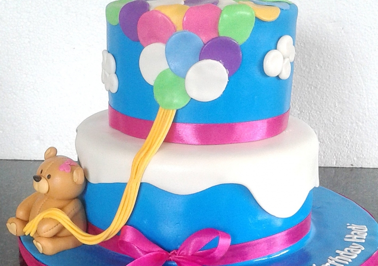 Teddy and Balloons Cake